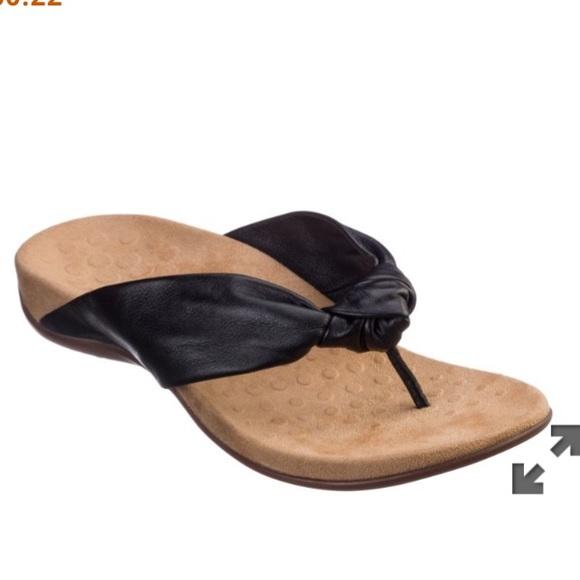 Vionic Shoes | Pippa Black Sandals
